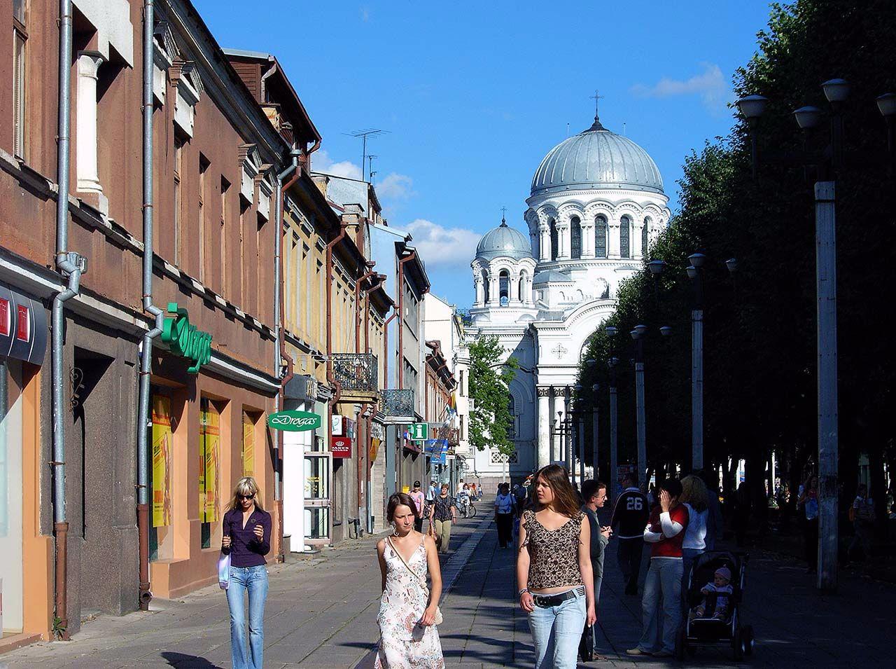 Strassenszene in Kaunas, Litauen. Bild: Ventus Reisen